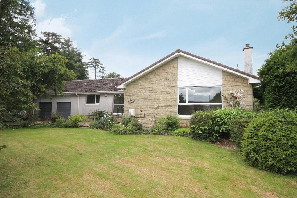 4 Bedrooms Detached Bungalow for sale in The Roundel, Auchterarder, Perthshire, PH3 1PU