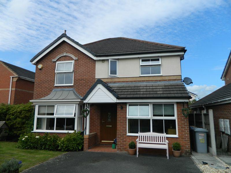 4 Bedrooms Detached House for sale in Beltony Drive, Crewe