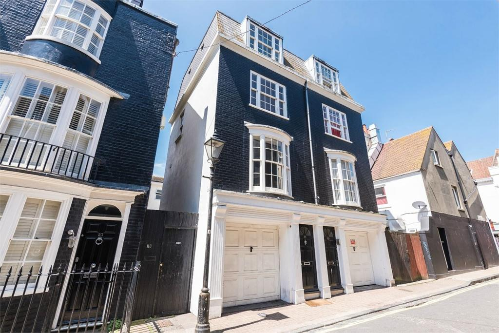 3 Bedrooms End Of Terrace House for sale in Charles Street, Brighton, BN2