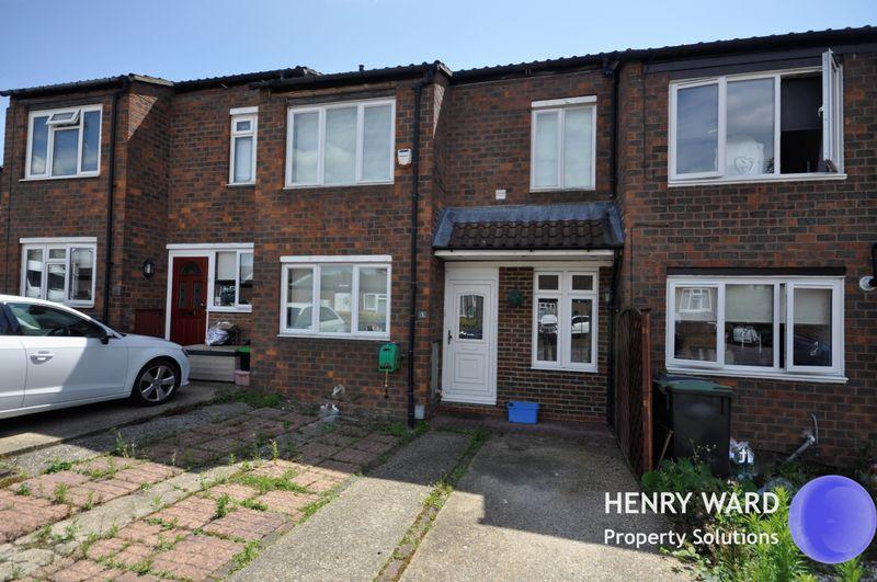 3 Bedrooms Terraced House for sale in Margaret Close, Waltham Abbey