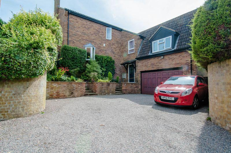 5 Bedrooms Detached House for sale in Brookside, Stanwick