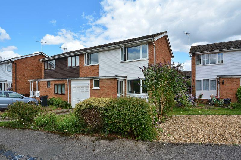 4 Bedrooms Semi Detached House for sale in Cromwell Avenue, Thame