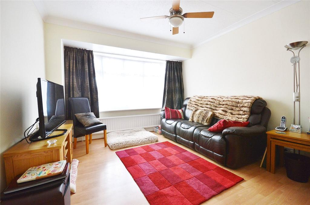 4 Bedrooms Semi Detached House for sale in Meadow Road, Watford, Hertfordshire, WD25