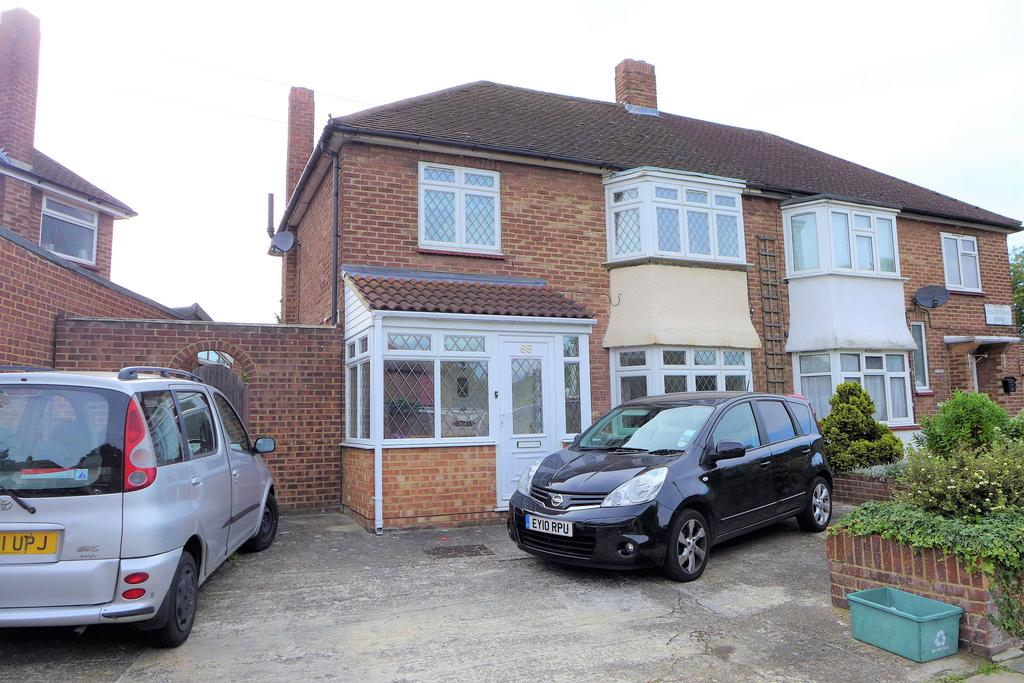 3 Bedrooms Semi Detached House for sale in Eastbourne Road, Feltham