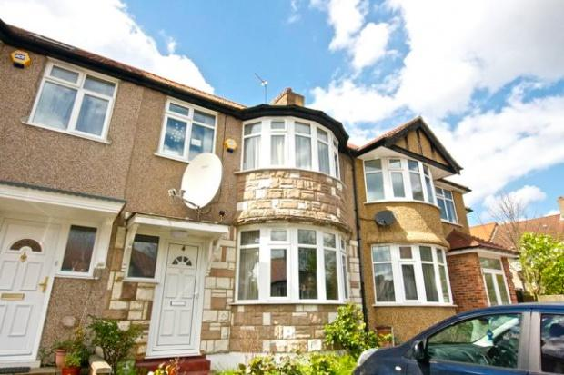 3 Bedrooms Terraced House for sale in Hill View Gardens Hill View Gardens, Kingsbury, NW9