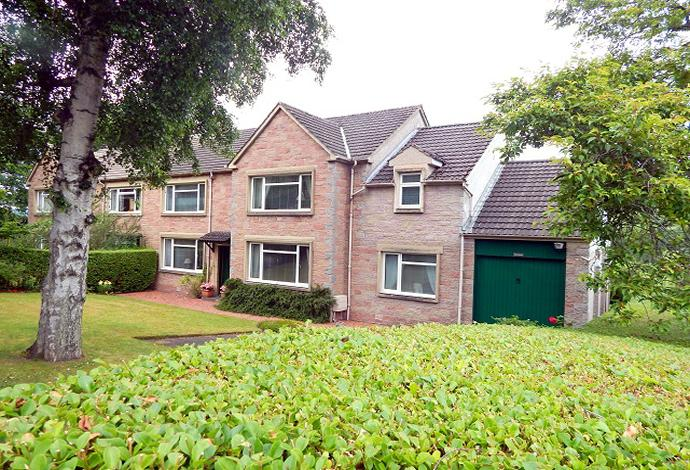 4 Bedrooms Semi Detached House for sale in Wraysbury Dean Road, Newstead, TD6 9RN