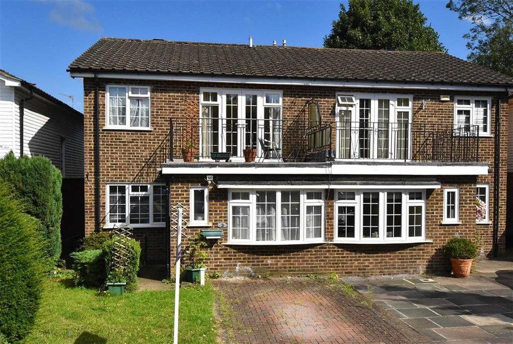 4 Bedrooms Semi Detached House for sale in Stour Close, Keston, Kent