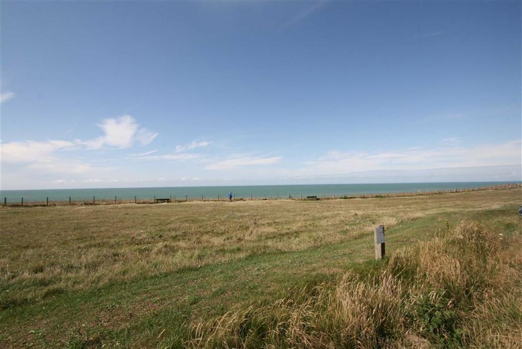 1 Bedroom Flat for sale in The Esplanade, Telscombe Cliffs, Peacehaven