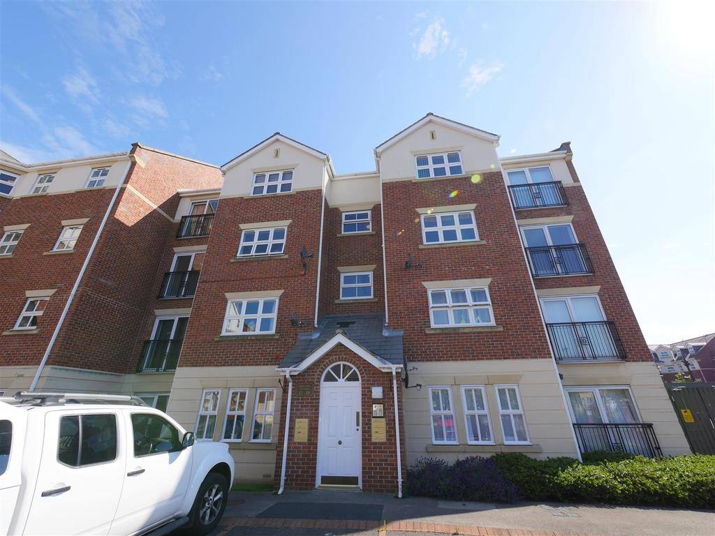 2 Bedrooms Apartment Flat for sale in Edward House, Albert Court, Sunderland
