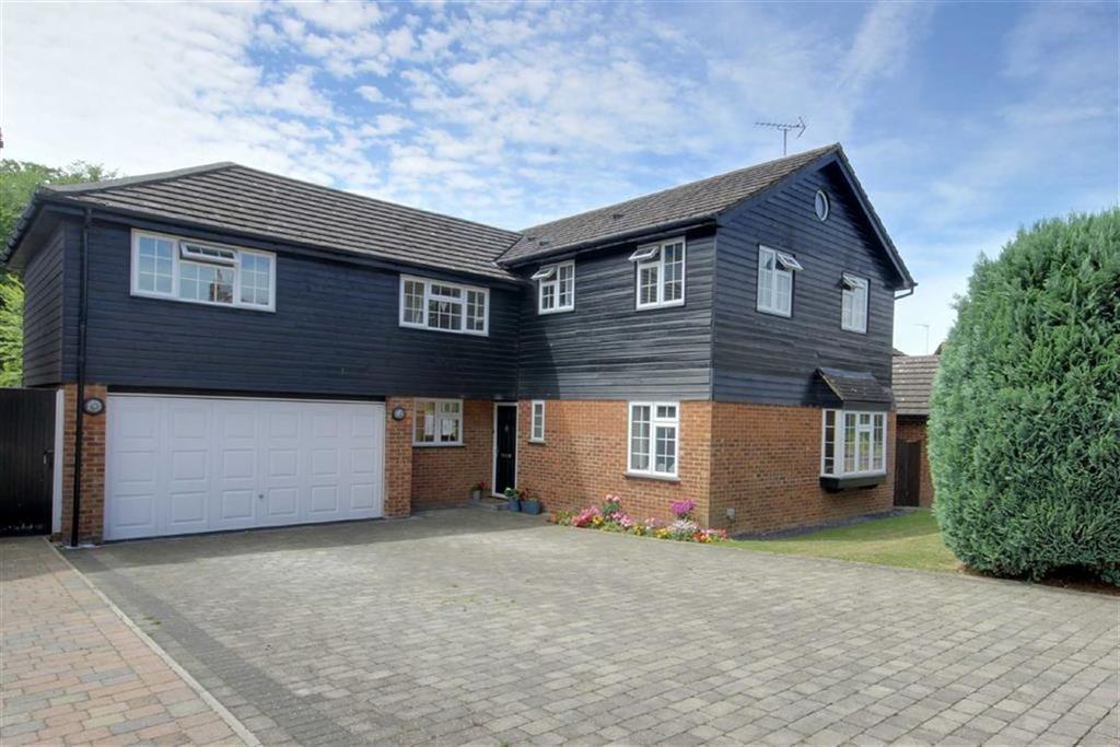 5 Bedrooms Detached House for sale in Woodlands, Brookmans Park, Hertfordshire