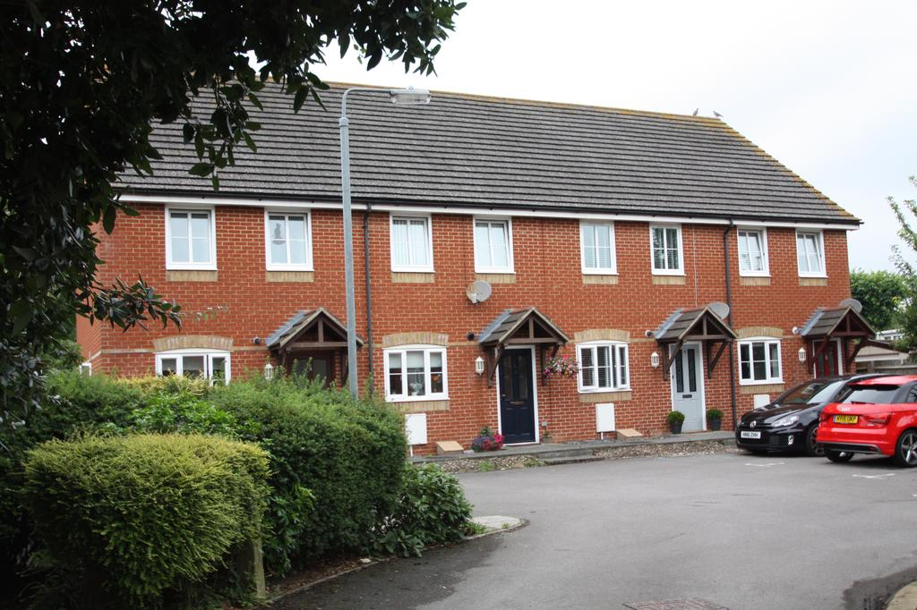 2 Bedrooms Terraced House for sale in Farthing Close, Gosport PO12