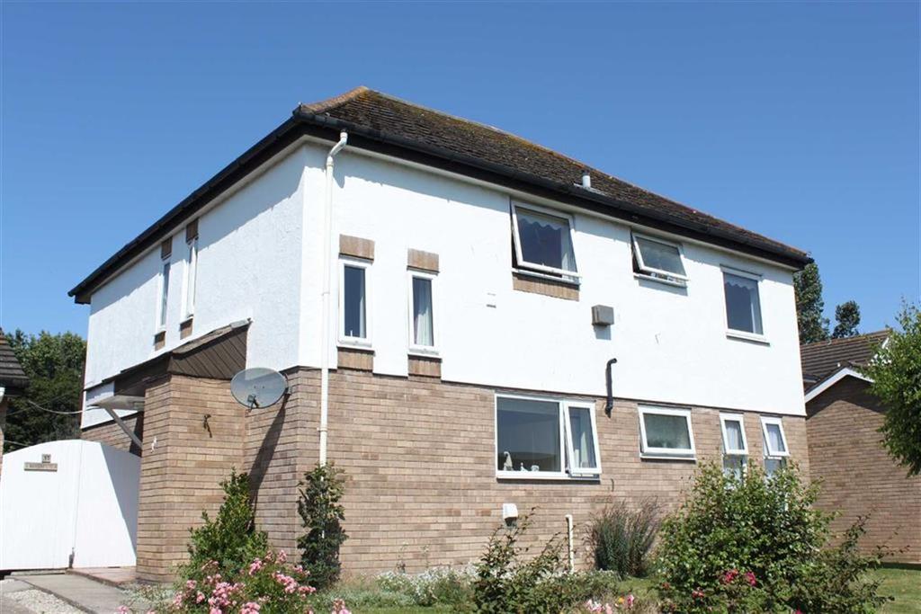 2 Bedrooms Apartment Flat for sale in Kingsway, Craig Y Don, Llandudno, Conwy