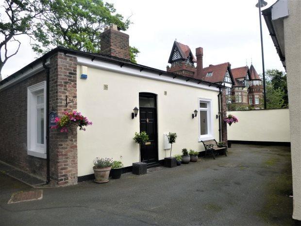 1 Bedroom Detached Bungalow for sale in THE GATEHOUSE, ASHBROOKE, SUNDERLAND SOUTH
