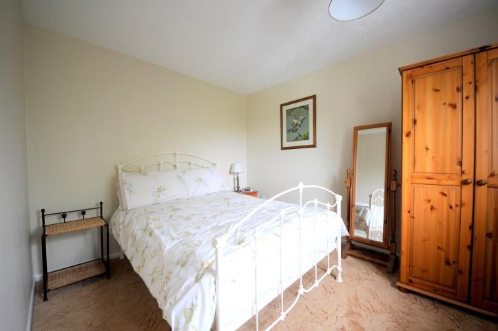 2 Bedrooms House Share for rent in Freshwater Crescent, Heybridge Basin,