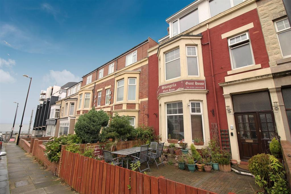 12 Bedrooms Terraced House for sale in Esplanade, Whitley Bay