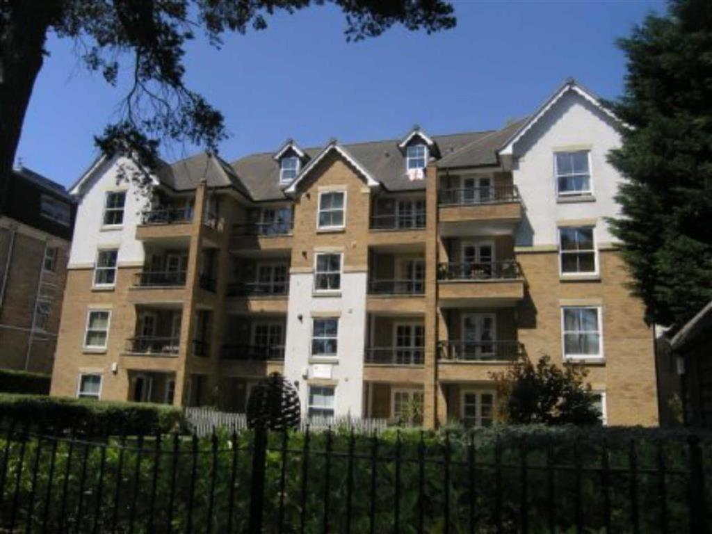 2 Bedrooms Flat for rent in Knyveton Road, Bournemouth, Bournemouth, Dorset, BH1