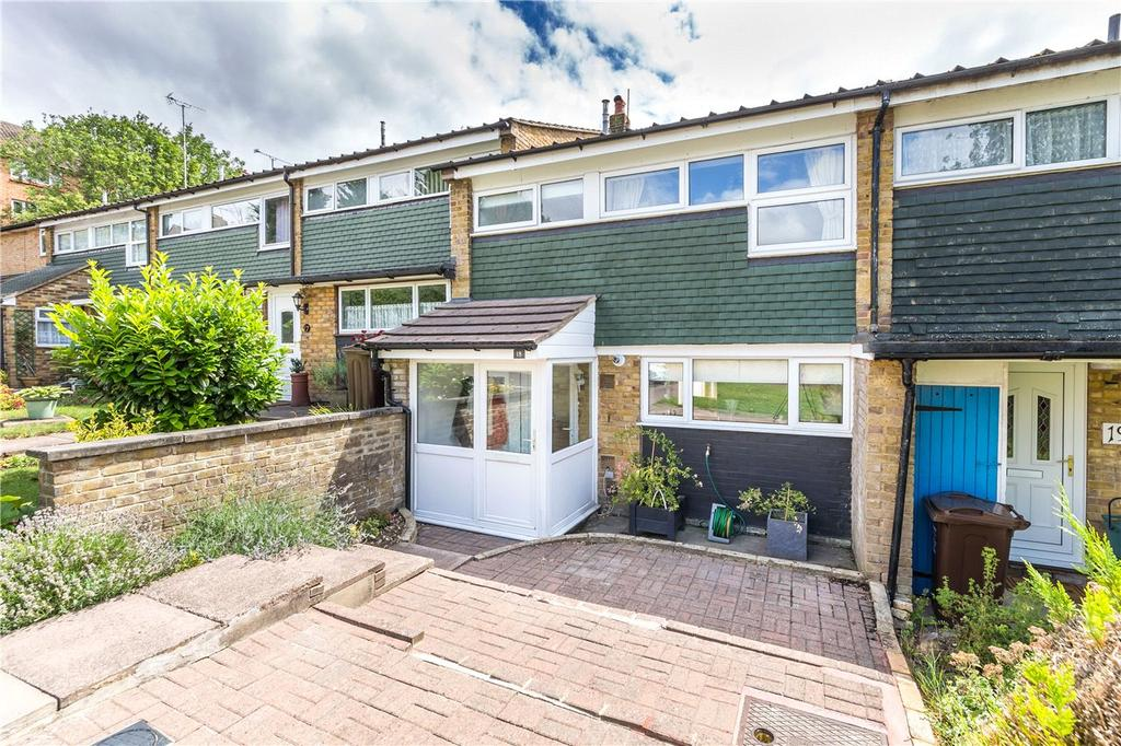 3 Bedrooms Terraced House for sale in St. Martins Close, Harpenden, Hertfordshire