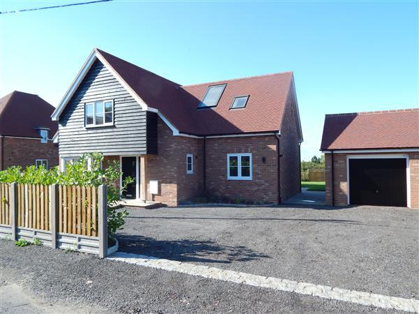 4 Bedrooms Detached House for sale in Sea Farm, Dargate Road, Yorkletts
