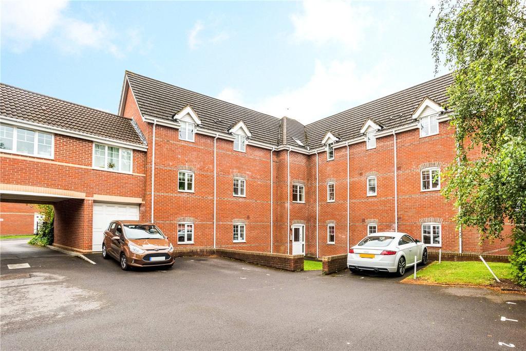 2 Bedrooms Flat for sale in Windsor Court, Newbury, Berkshire, RG14