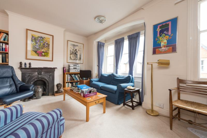 4 Bedrooms Terraced House for sale in Fairacres Road, Oxford, Oxfordshire