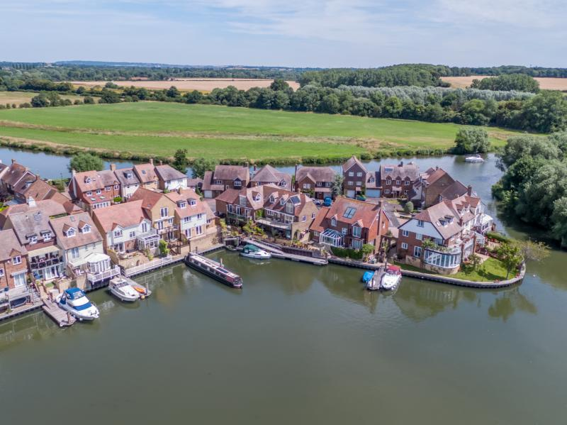 4 Bedrooms Semi Detached House for sale in North Quay, Abingdon, Oxfordshire