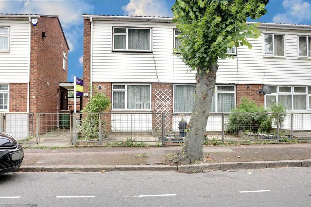 3 Bedrooms Semi Detached House for sale in Queens Road West, Plaistow