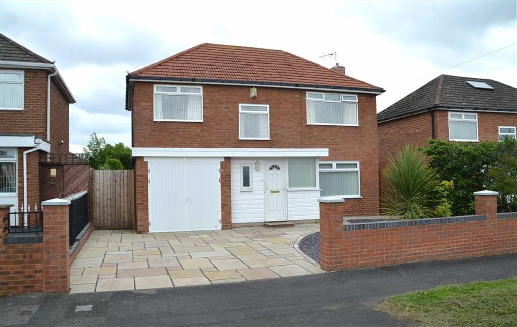 3 Bedrooms Detached House for sale in Gleneagles Road, Great Sutton, CH66