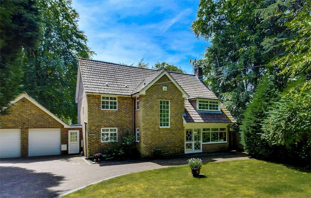 4 Bedrooms Detached House for sale in Headley Road, Grayshott