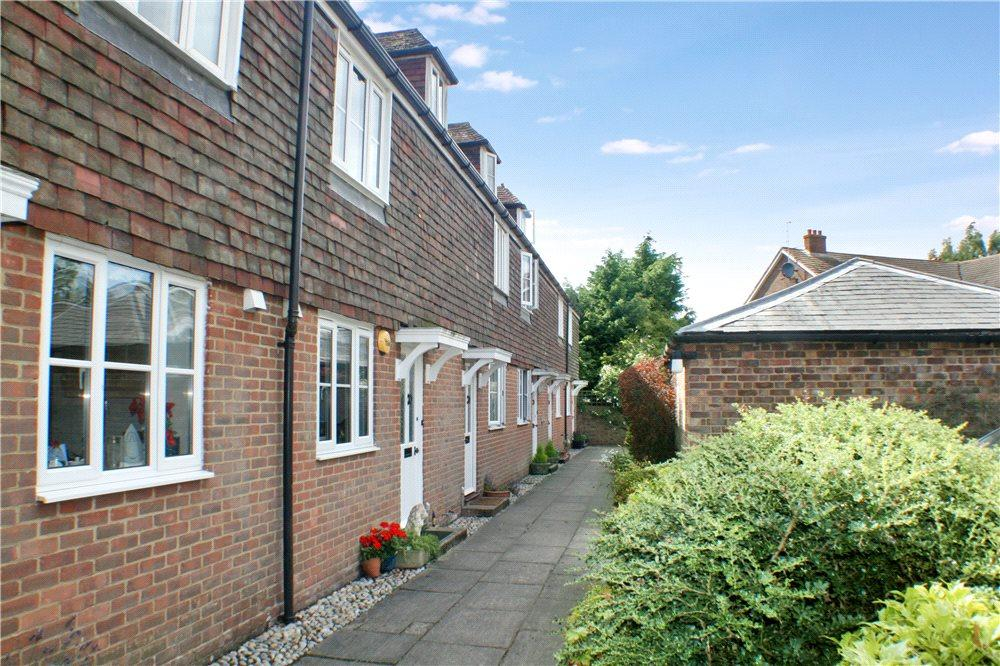 3 Bedrooms Terraced House for sale in Taylors Yard, 35 Church Street, Wye, Aashford