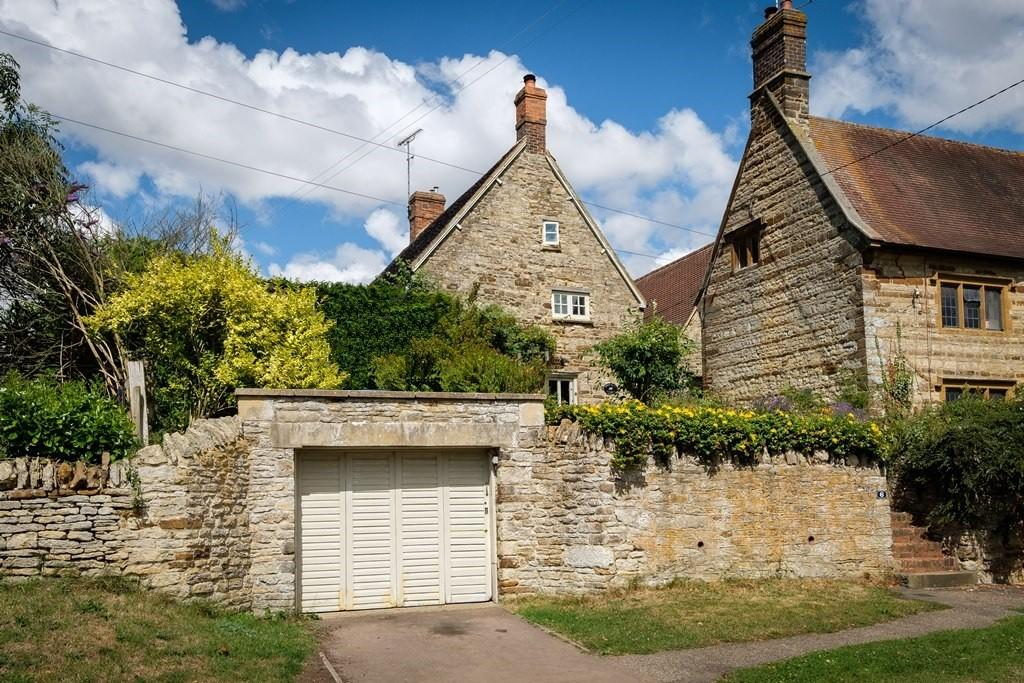3 Bedrooms Cottage House for sale in High Street, Weston
