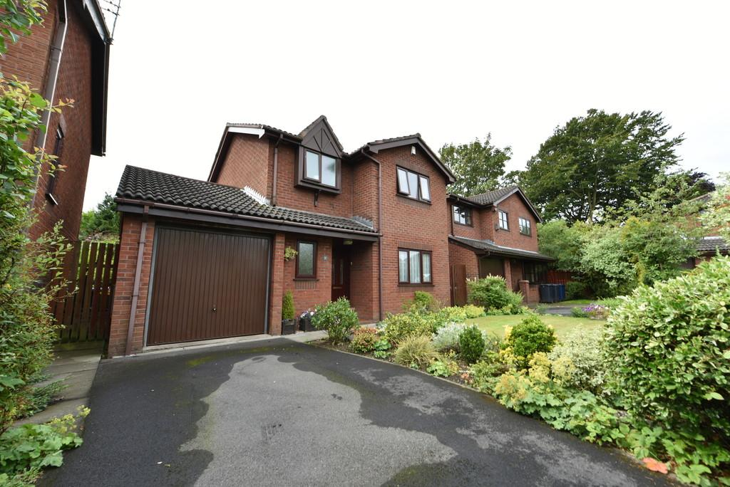 3 Bedrooms Detached House for sale in Grove Park, Ormskirk