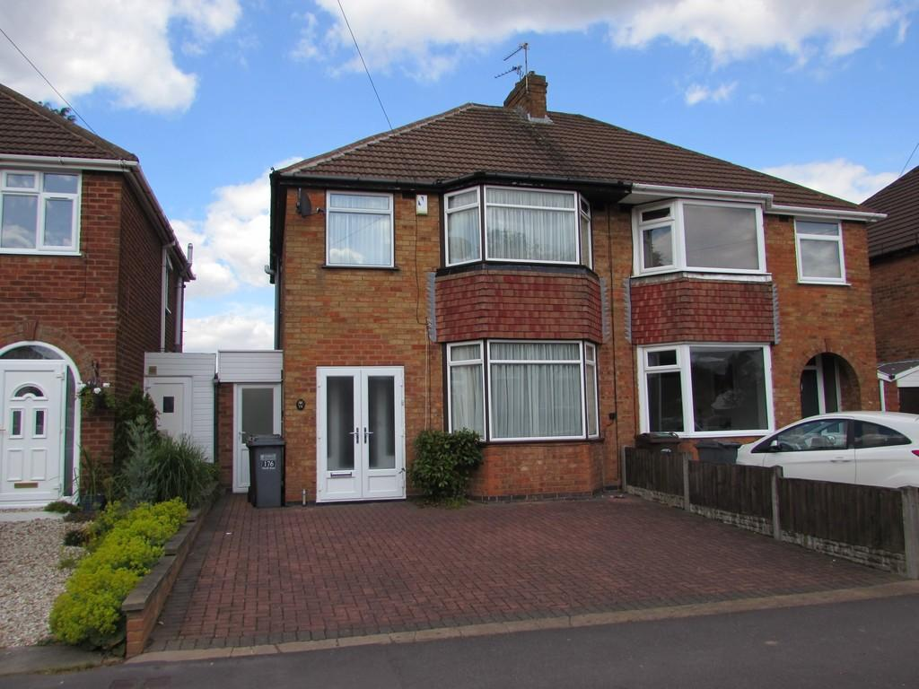 3 Bedrooms Semi Detached House for sale in Hurdis Road, Shirley