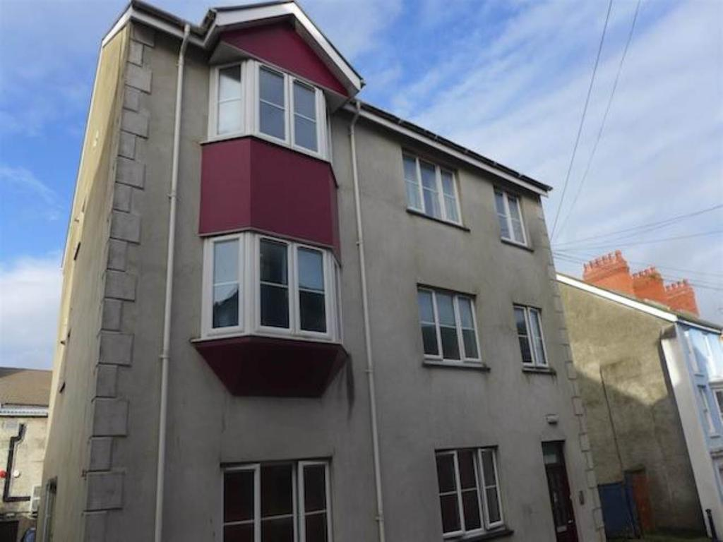 1 Bedroom Flat for sale in 37 Queen Street, Aberystwyth, Ceredigion