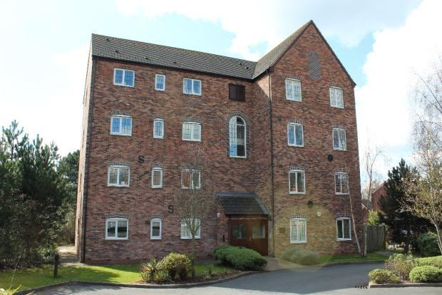 2 Bedrooms Flat for rent in Mill Court, Honeymans garden, Droitwich WR9