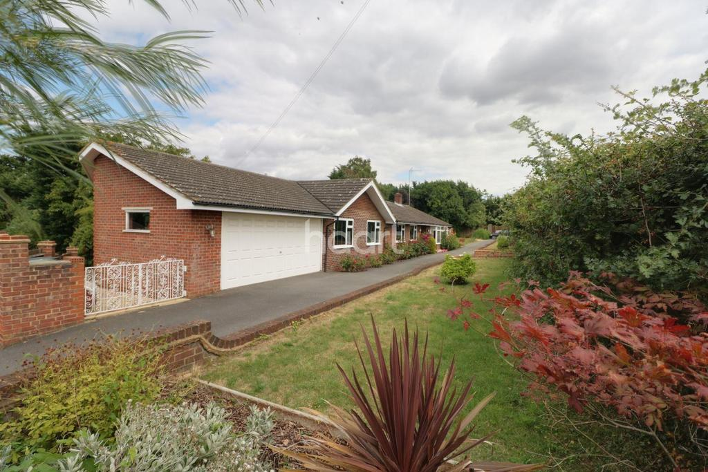 5 Bedrooms End Of Terrace House for sale in Brook, Epping Road, Nazeing