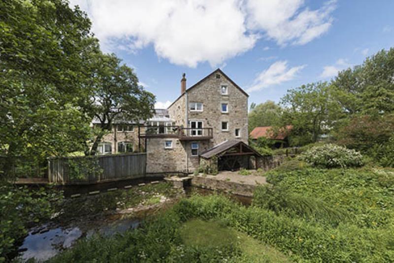 5 Bedrooms Mill Character Property