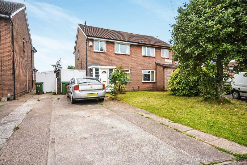 3 Bedrooms Semi Detached House for sale in Avondale Gardens South, Grangetown, Cardiff