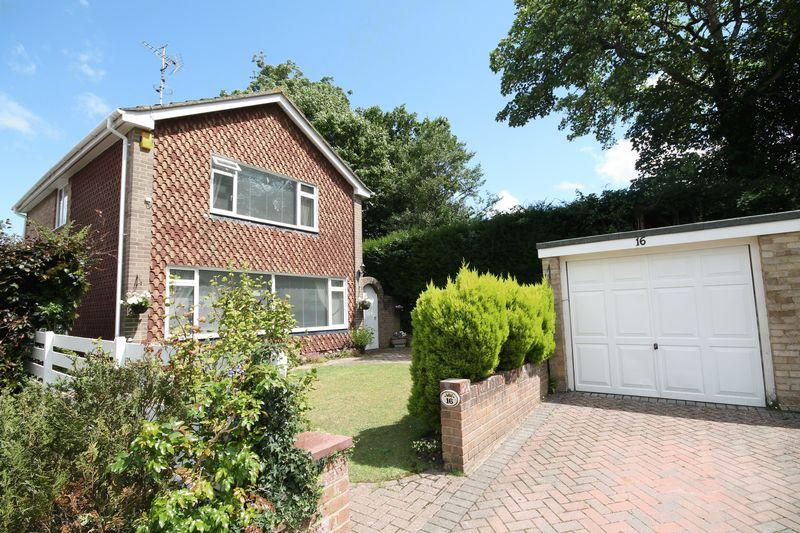 3 Bedrooms Detached House for sale in Willowbrook Way, Hassocks, West Sussex,