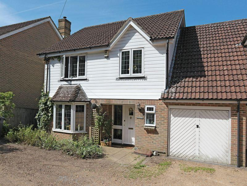 4 Bedrooms House for sale in Palesgate Lane, Crowborough, East Sussex
