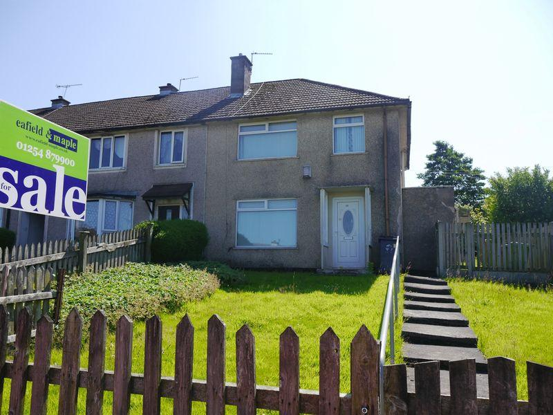 3 Bedrooms Semi Detached House for sale in Worston Close, Accrington