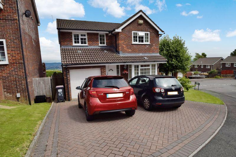 4 Bedrooms Detached House for sale in Buttercup Court, Ty Canol, Cwmbran