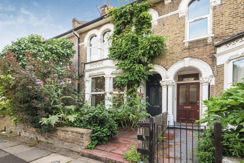 3 Bedrooms Terraced House for sale in Algernon Road, Lewisham, SE13