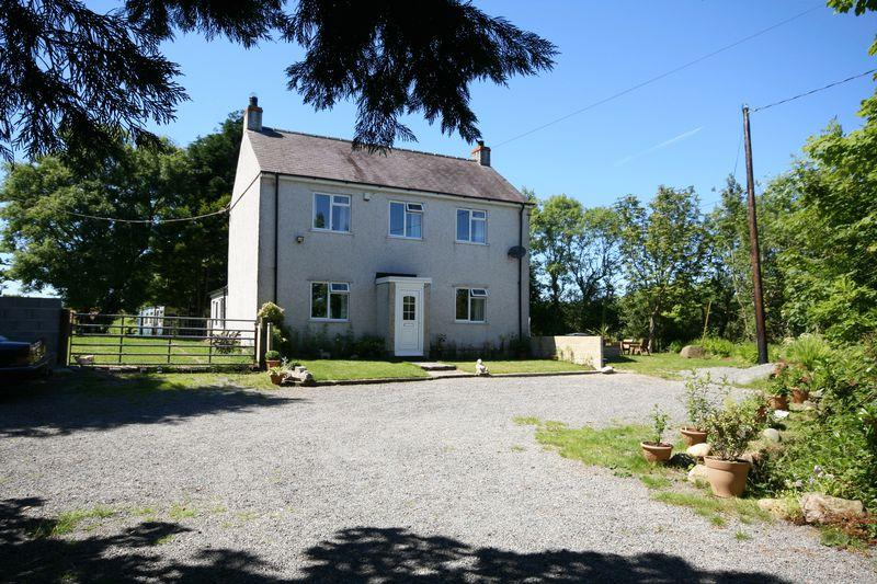 5 Bedrooms Detached House for sale in Llanerchymedd, Anglesey