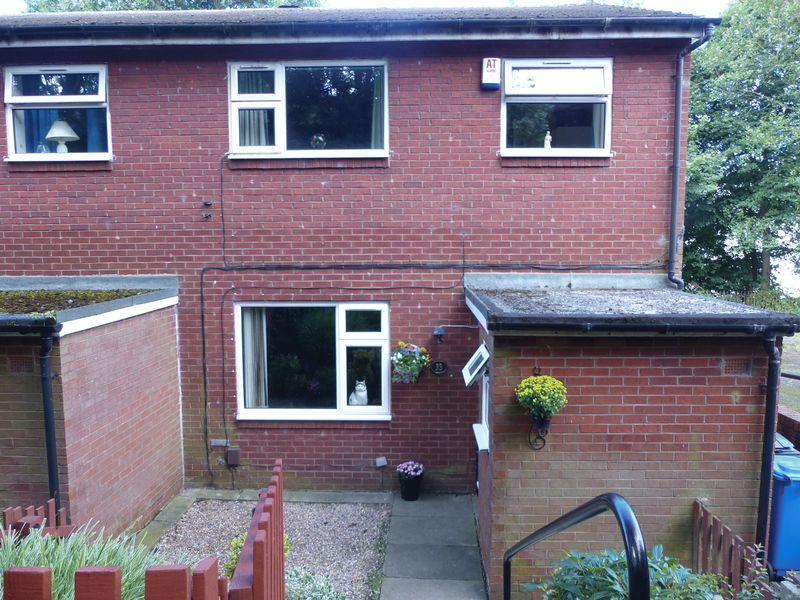 3 Bedrooms Terraced House for sale in Penmore Close, Shaw