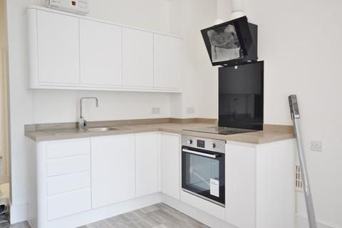 2 bedroom apartment to rent - Russell Square, Brighton, BN1