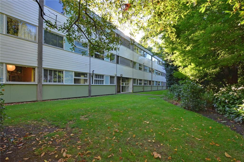 2 Bedrooms Flat for sale in Hallgate, Blackheath Park, Blackheath, London, SE3