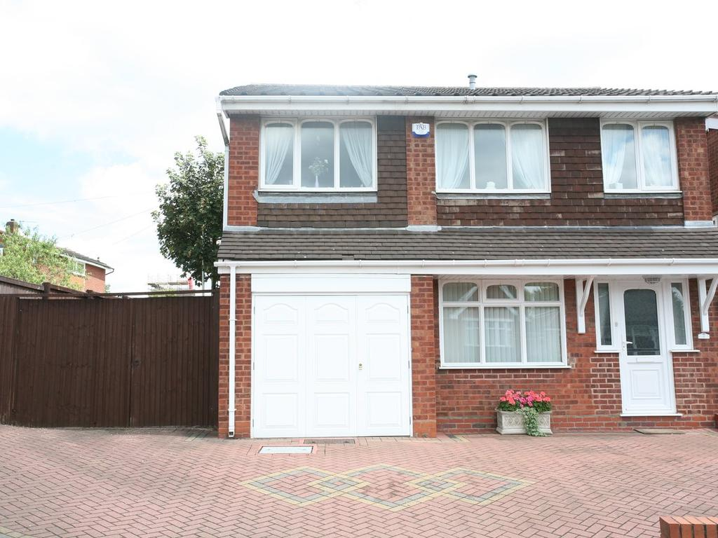 4 Bedrooms Detached House for sale in 21 Hill Street, Hednesford, WS12 1DJ