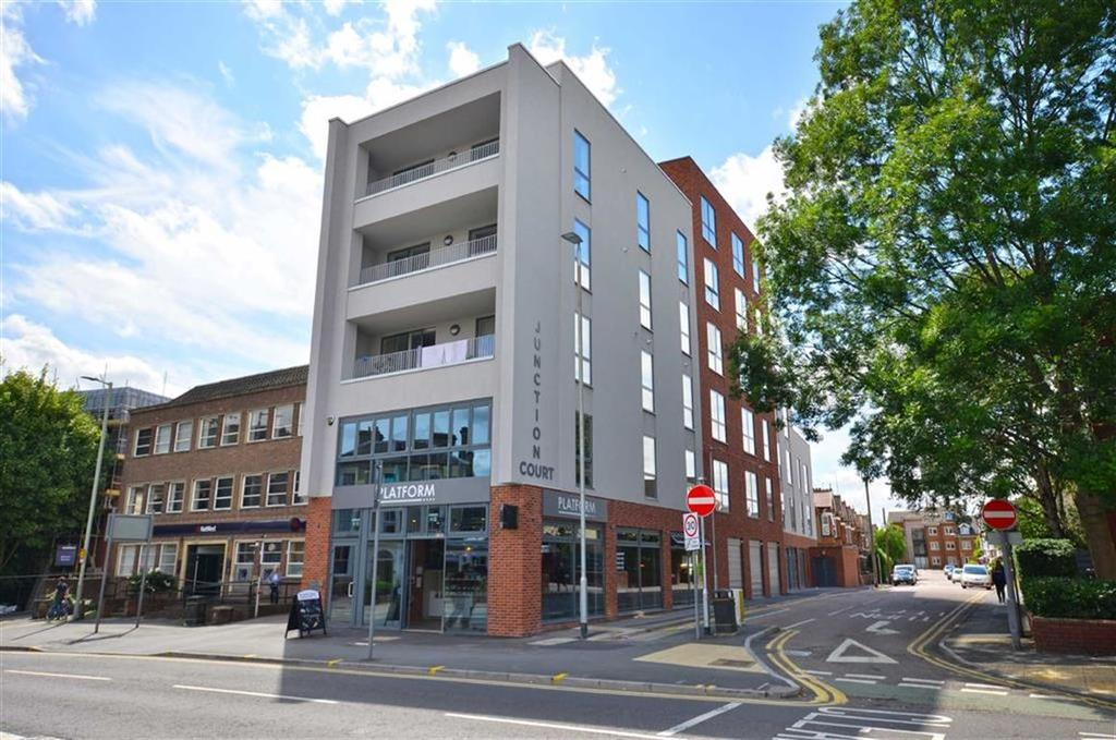 3 Bedrooms Apartment Flat for sale in Station Road, Watford, Hertfordshire