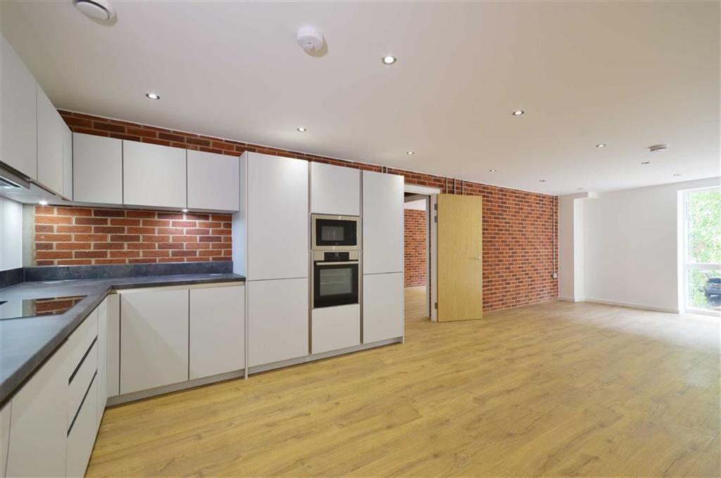 2 Bedrooms Apartment Flat for sale in Station Road, Watford