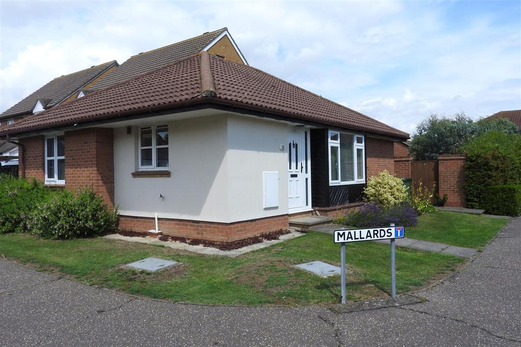 2 Bedrooms Detached Bungalow for sale in Mallards, Mayland